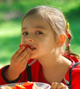 Girl_Bites_Tomato_CRP